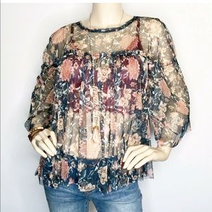 Belle & Sky Medium Sheer Floral Half Sleeve Top